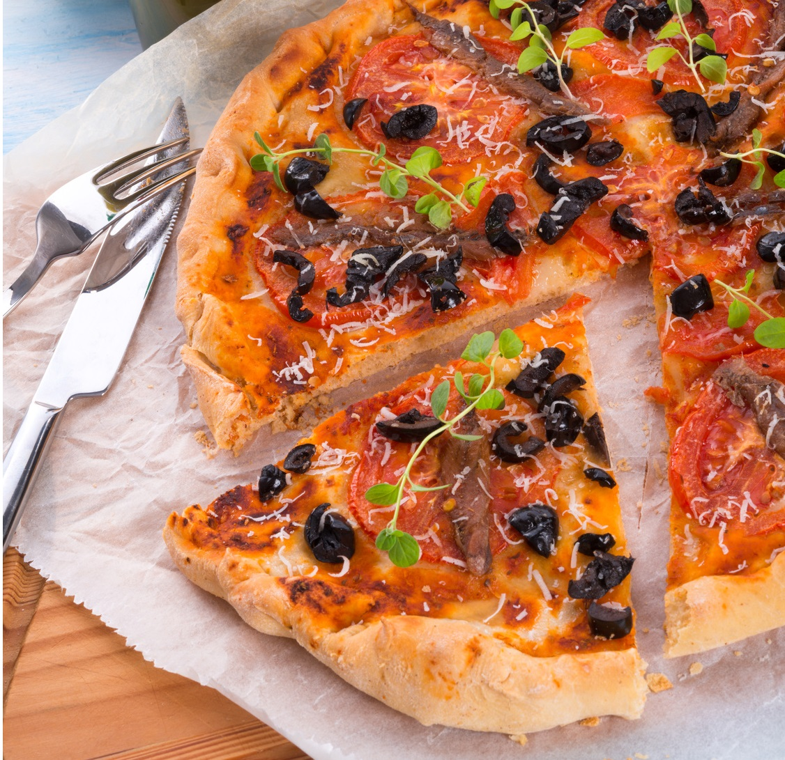 olive anchovy pizza